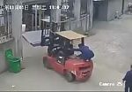 Chinese woman crushed by forklift 3