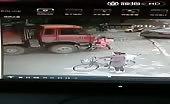 Two girl cyclist crushed by truck
