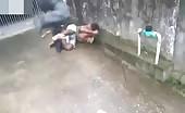 Homeless guy gets brutally beaten for stealing food 4