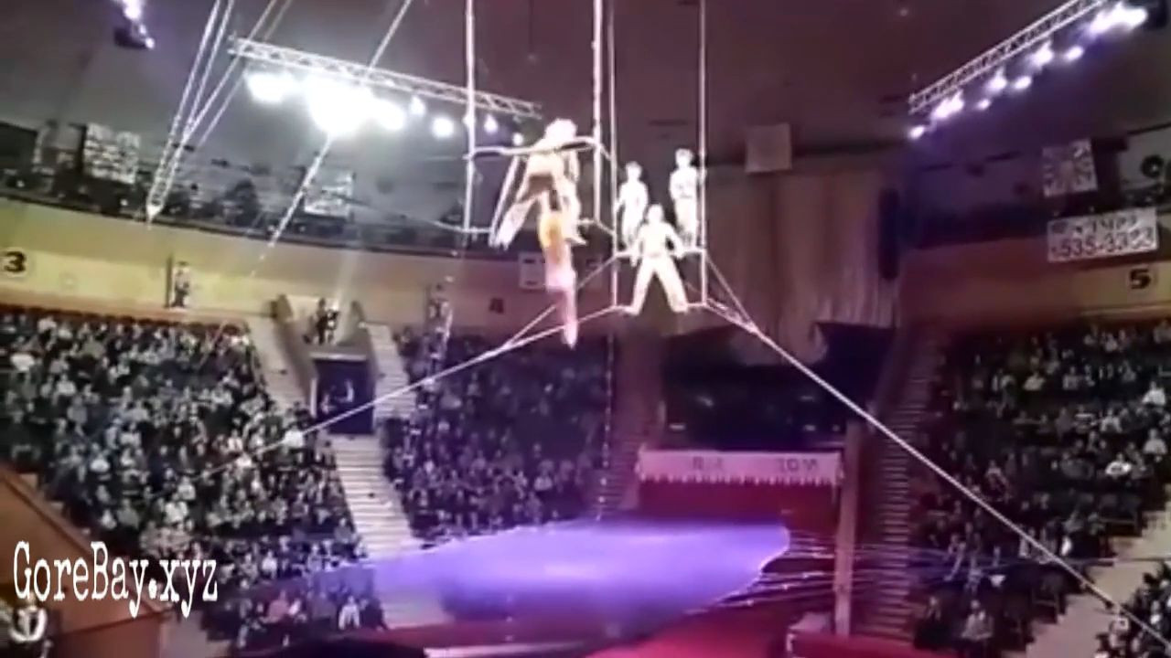 Trapeze performer fell from 40ft of height 1
