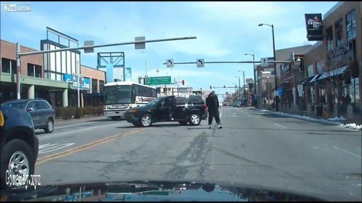 Car chase criminal shot dead