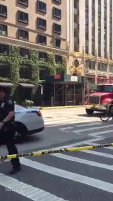 A man suicide by jumping off a building in NYC 8