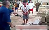 Brazilian mob justice fingers chopped off 5