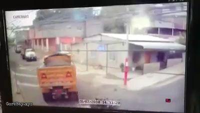Biker hit truck, truck keep rolling away 5