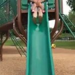 Dad twisted his daughter's leg down the slide 2