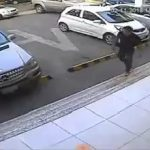 Robber shoots a jewelry employee with a shotgun 2