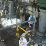 Industrial worker sent flying in pieces by a burst from reactor 3
