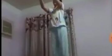 Woman dies slowly by the rope she is hanging to 26