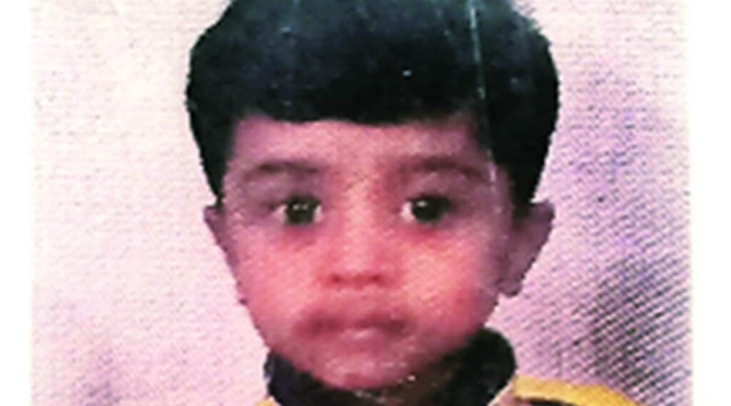 Indian boy crushed to death in a lift 4