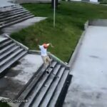 Skater snaps his ankle 2