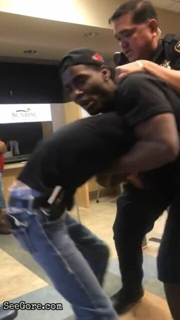 Bruce Lee lookalike attacked by a black dude in hospital 2